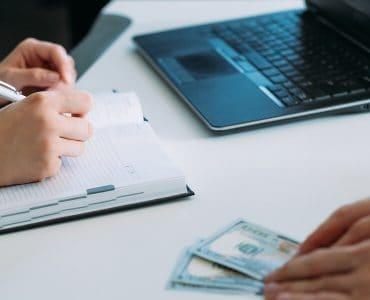 פיצוי לקוח עקב ייעוץ משפטי מוטעה